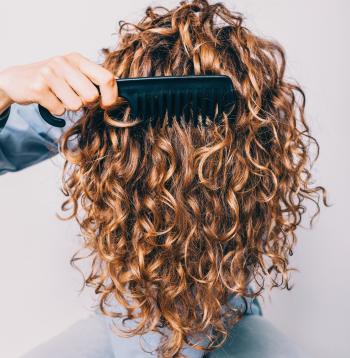 HOW TO CHOOSE YOUR CURLY HAIR COMB